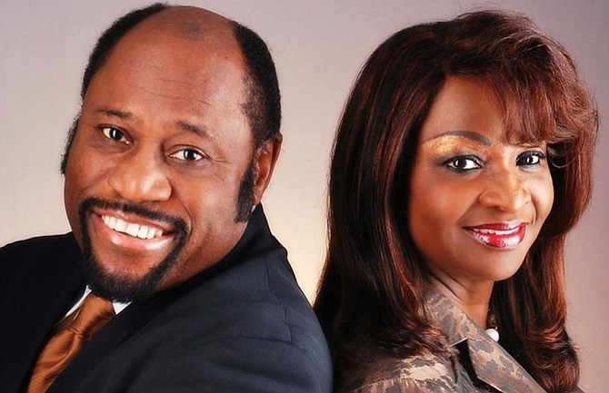Dr Myles Munroe and wife