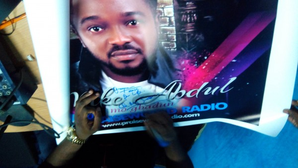 Mike Abdul signing his autograph (Music For Life... Oh My Jesu!)