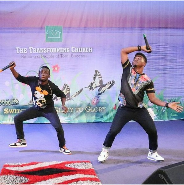 henrisoul-and-producer-Nimix-performing