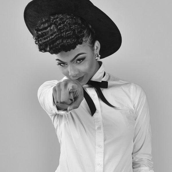 Bri (Briana Babineaux)-B&W Point1